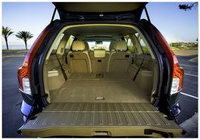 Фото багажника Volvo XC90 2013 года