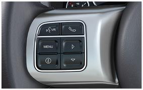 Фото панели управления Jeep Patriot 2014