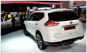 фото Nissan X-Trail 2014 (вид сзади)