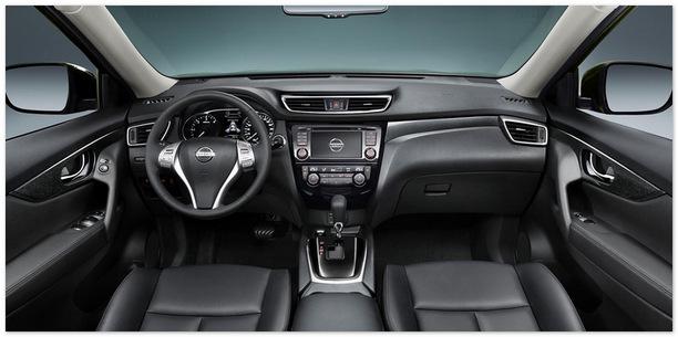 Фото передних седений Nissan X-Trail 2014