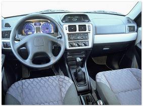 фото салона Mitsubishi Pajero Pinin