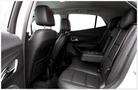 Фото задних сидений Опель Мокка 2014
