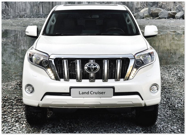 фото Toyota Land Cruiser Prado 2014 (вид спереди)