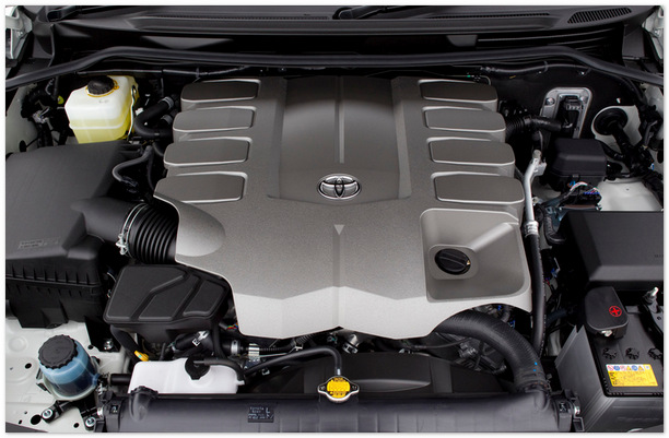 фото двигателя Toyota Land Cruiser 200 2014