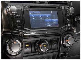 фото панели управления Toyota 4Runner 2014