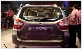 фото Nissan Terrano 2014(вид сзади)