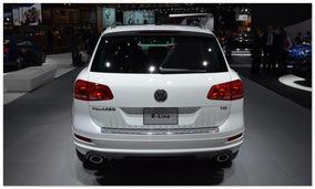 фото VW Touareg(вид сзади)