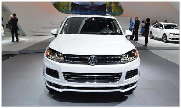 фото Volkswagen Touareg 2014 (вид спереди)