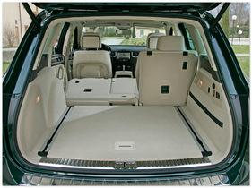 фото багажника VW Touareg 2014