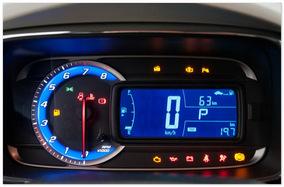 фото приборной панели Chevrolet Tracker 2014