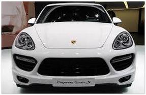 Porsche  Cayenne (вид спереди)