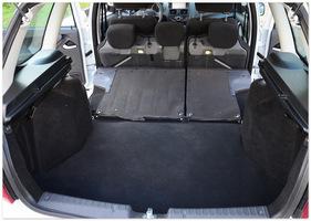 багажник нового кроссовера Ваз