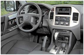 салон Mitsubishi Pajero Mini