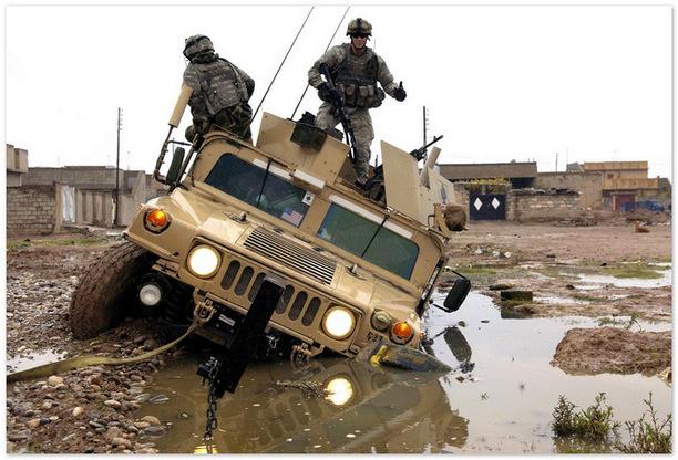 военный Hummer H1