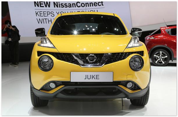 Nissan Juke 2015 (вид спереди)