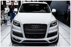 фото Audi Q7 2015(вид спереди)