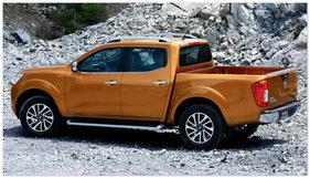 фото Nissan Navara 2015 (вид сбоку)