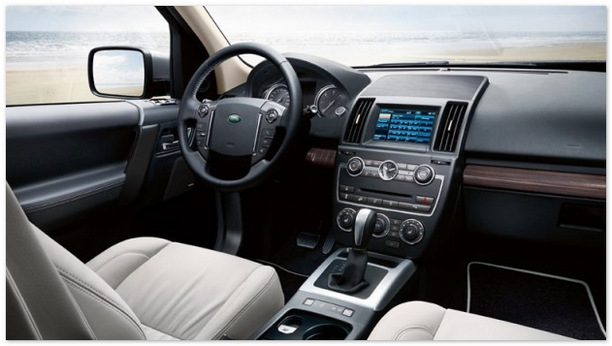 салон Land Rover Freelander 2015